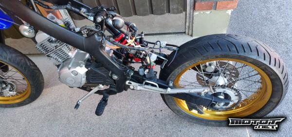 motot2.jpg