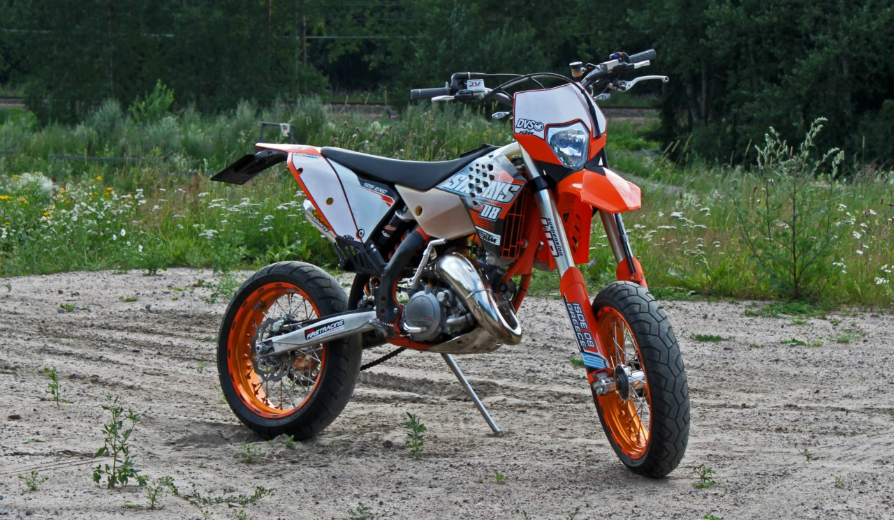 supermoto 125ccm ktm motorcycle wallpaper. Black Bedroom Furniture Sets. Home Design Ideas