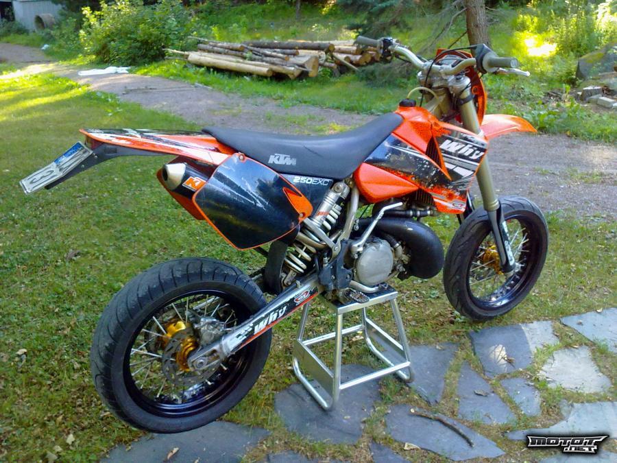 moottoripyörä 250