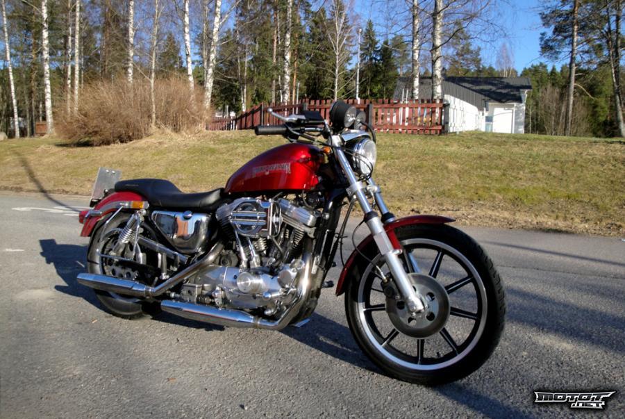 Custom moottoripyörä
