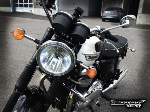 Triumph Bonneville 865