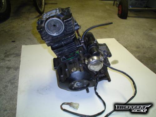 2 Tahti moottori